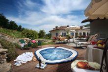 Agriturismo con piscina a cuneo for Piscina cuneo